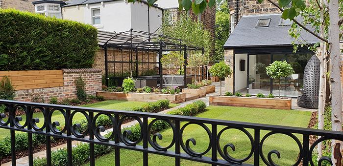 Traditional/Contemporary Urban Garden in Harrogate - Evoke ...