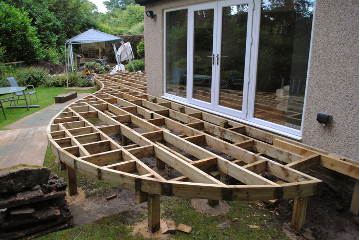 Contemporary hardwood decking project in thackley west for Smooth hardwood decking boards