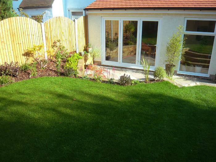Contemporary patio in moortown leeds evoke landscape design for Landscape design leeds